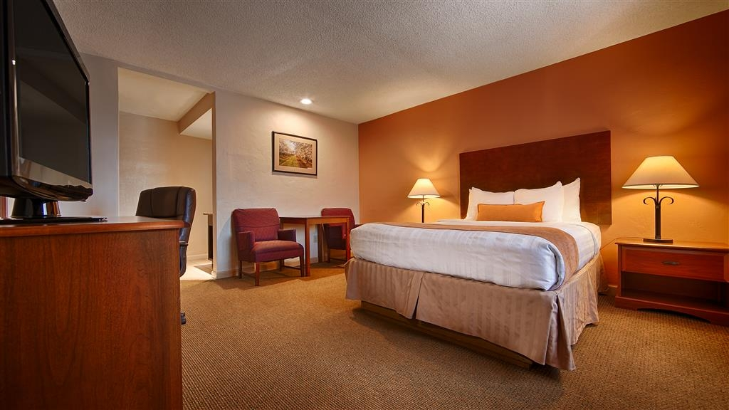 Best Western Inn - Your comfort is our first priority. In our King Guest Room, you will find that and much more.