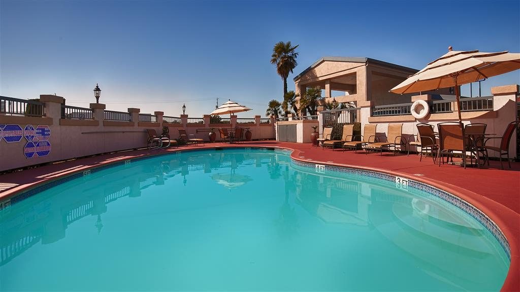 Best Western Inn - Splash around and have fun with the family in our outdoor pool for endless hours of fun.