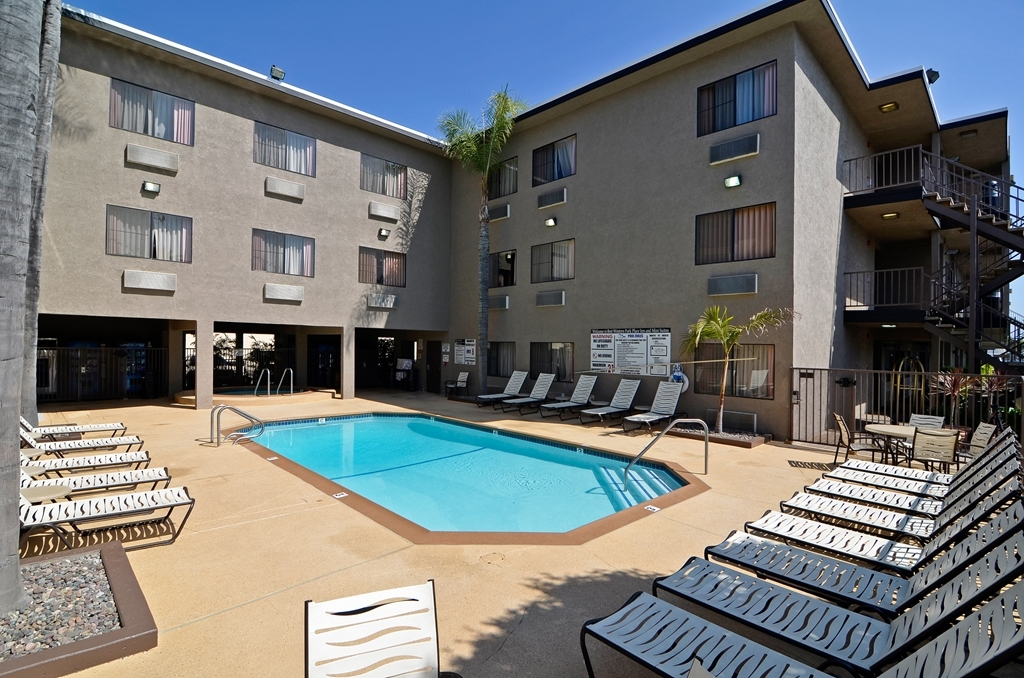 Best Western Plus Park Place Inn - Mini Suites - Vista de la piscina