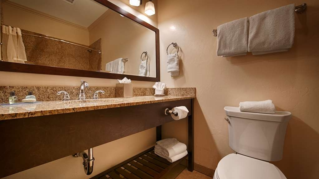 Best Western Plus Hacienda Hotel Old Town - Guest Bathroom