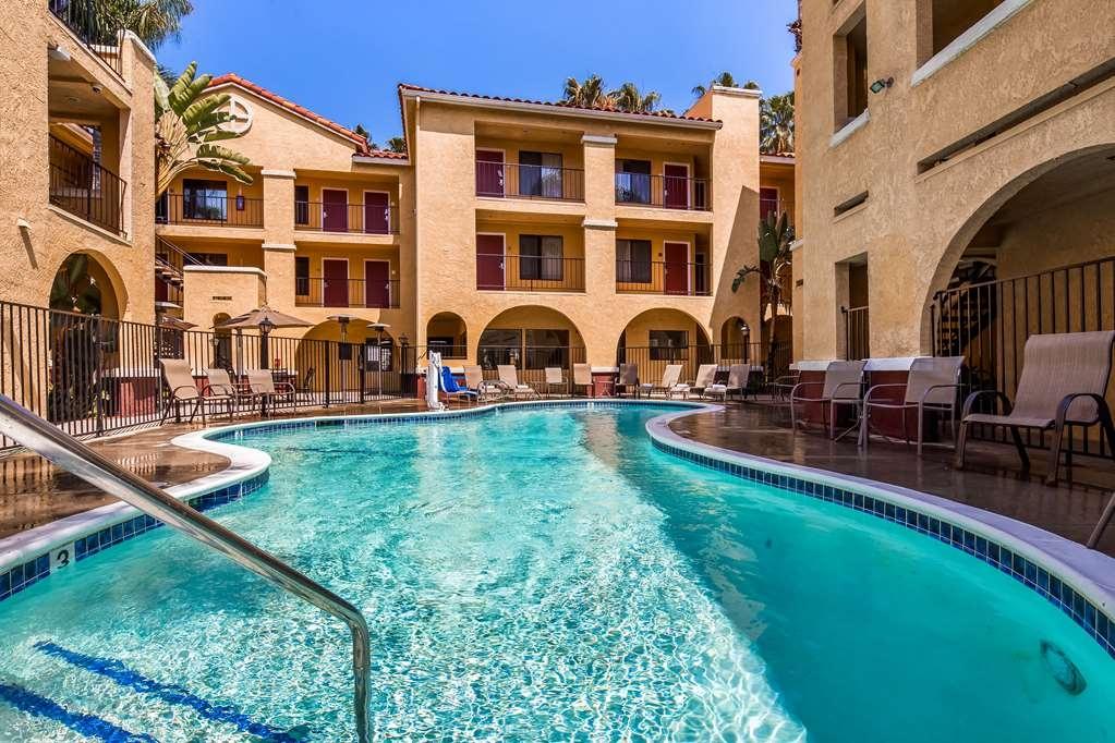 Best Western Moreno Hotel & Suites - Vue de la piscine