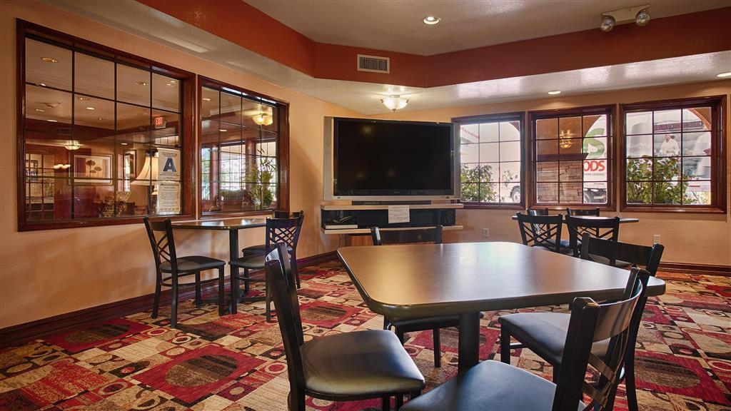 Best Western Moreno Hotel & Suites - Breakfast Area