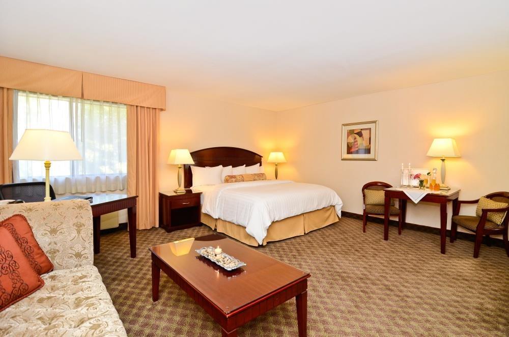 Best Western Plus West Covina Inn - Suite mit Whirlpool