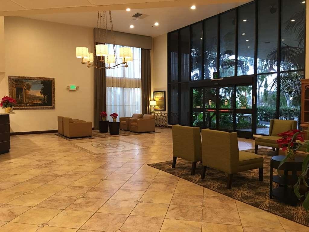 Best Western Plus West Covina Inn - Hall