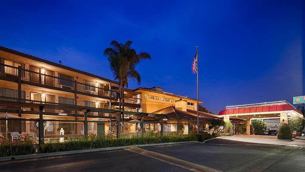 Best Western Plus Executive Inn - Area esterna