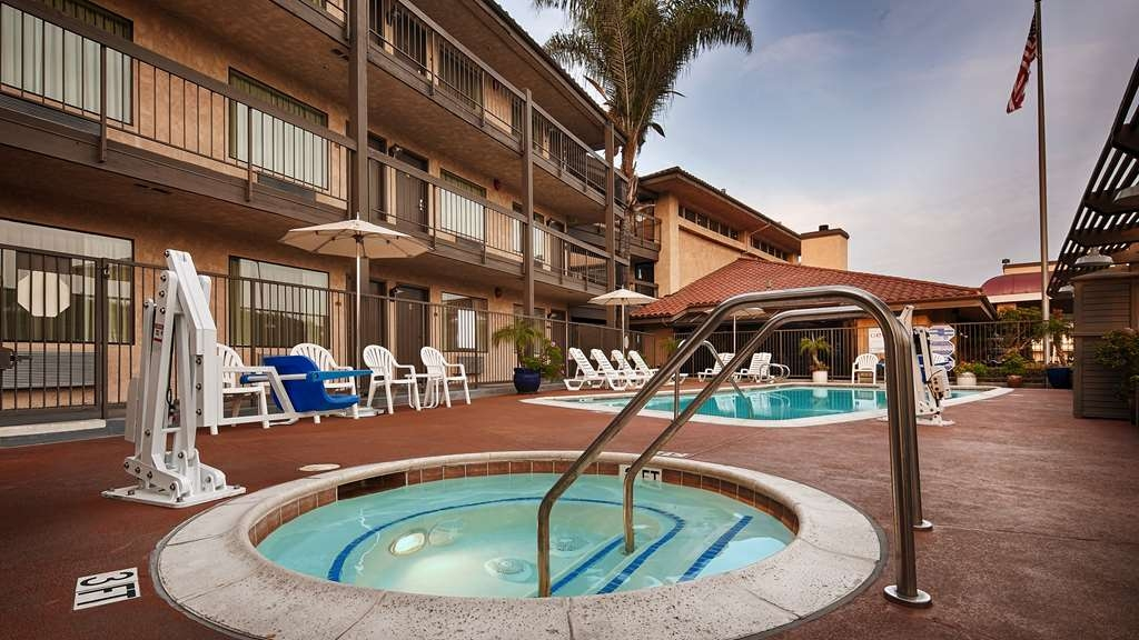 Best Western Plus Executive Inn - bañera de hidromasaje