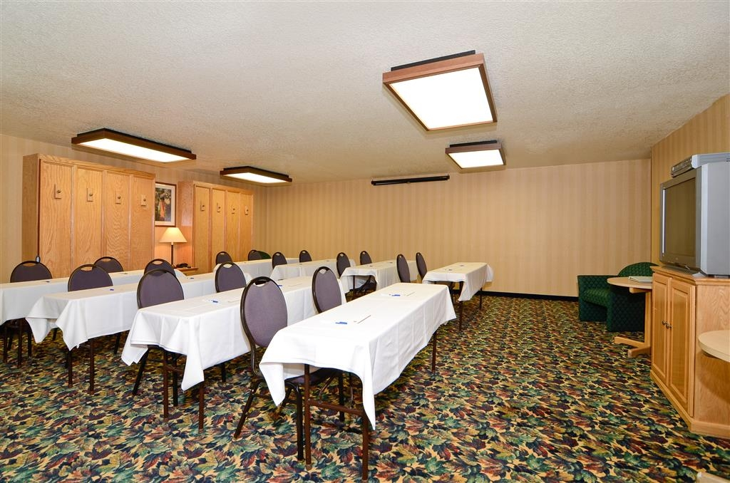 Best Western Plus Placerville Inn - Call our hotel today to check rates and book one of our meeting rooms.