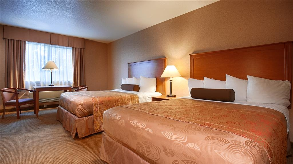 Best Western Plus Placerville Inn - Our spacious 2 queen guest room has all the comforts of home at your fingertips.