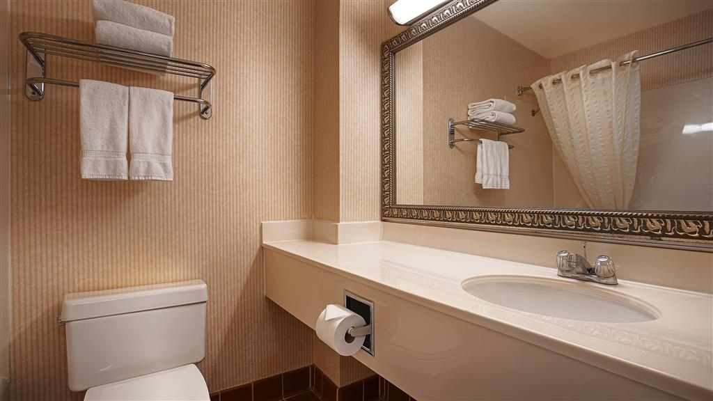 Best Western Plus Placerville Inn - Cuarto de baño de clientes