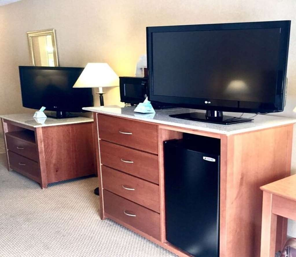Best Western Plus Placerville Inn - One Queen Executive Guest Room - Additional TV
