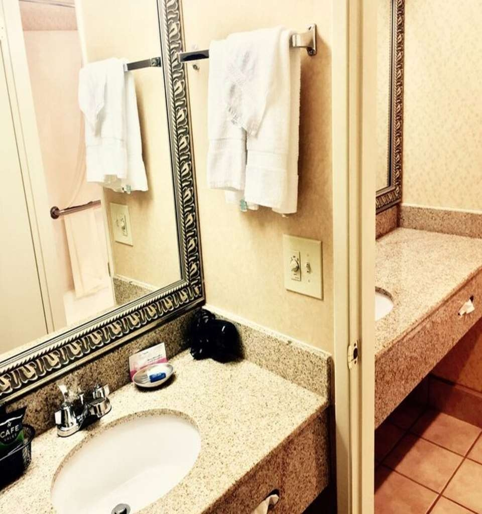 Best Western Plus Placerville Inn - Room Vanity Area - A few rooms have a double vanity.
