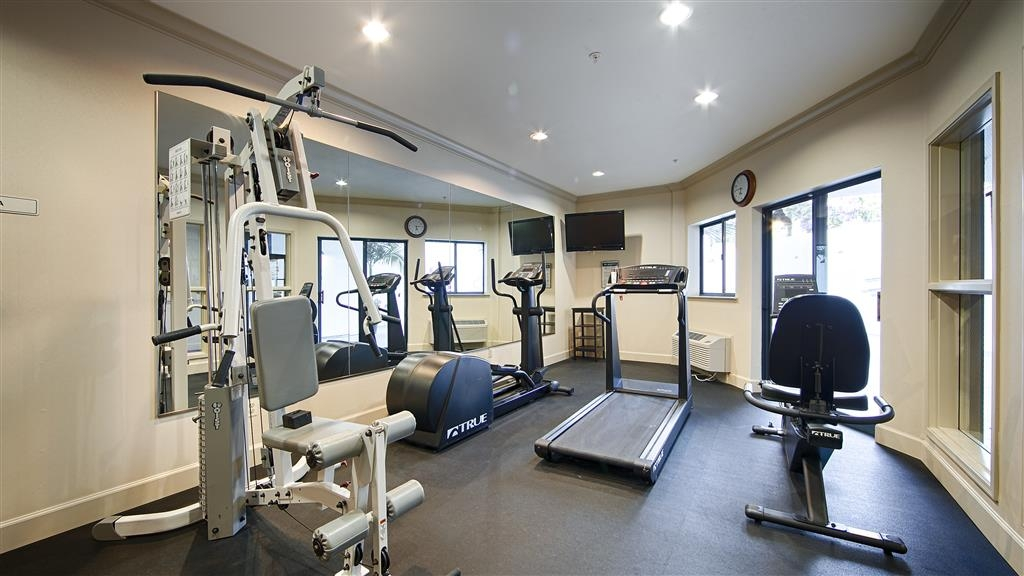 Best Western Plus All Suites Inn - Our complimentary fitness center has the equpiment you need for a good work out.