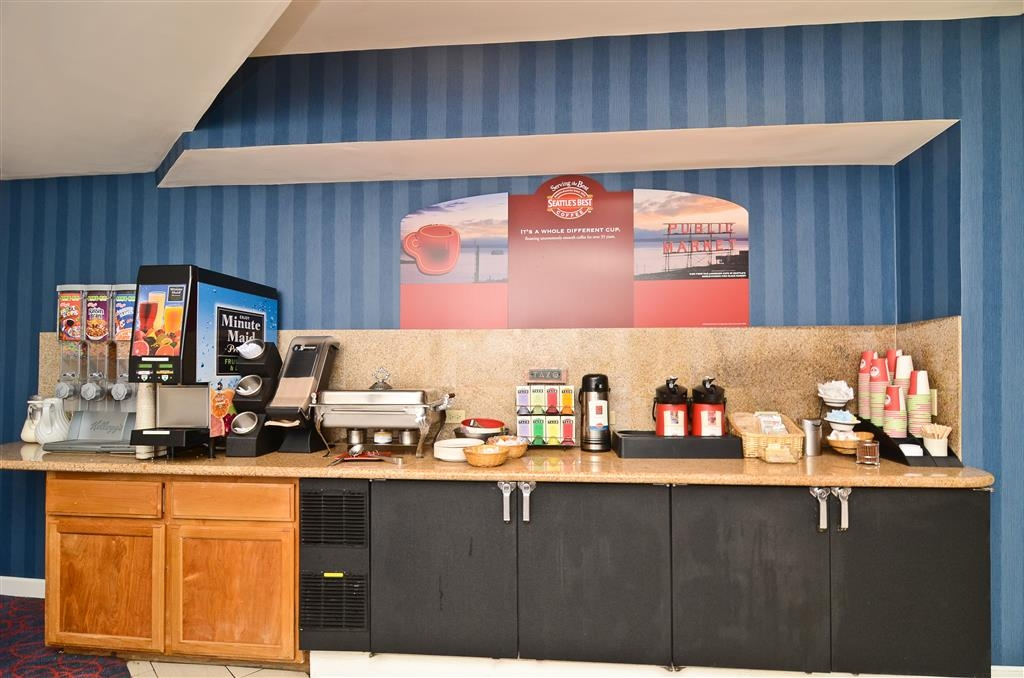 Best Western Plus All Suites Inn - Kick start your day with a cup off coffee.