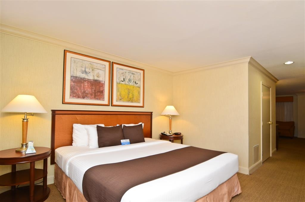 Best Western Plus All Suites Inn - You are sure to get that extra sleep you crave in our 2 room family suites.