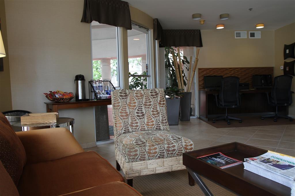 Best Western Plus Suites Hotel Coronado Island - Lobbyansicht