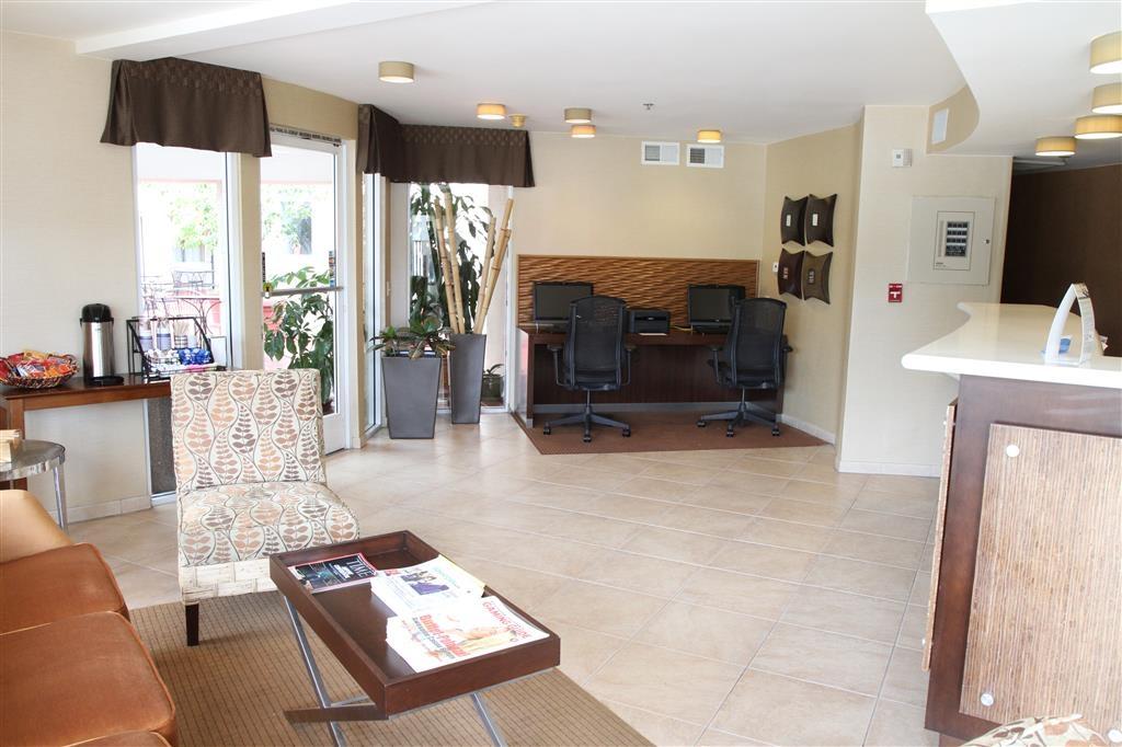 Best Western Plus Suites Hotel Coronado Island - Vue du lobby