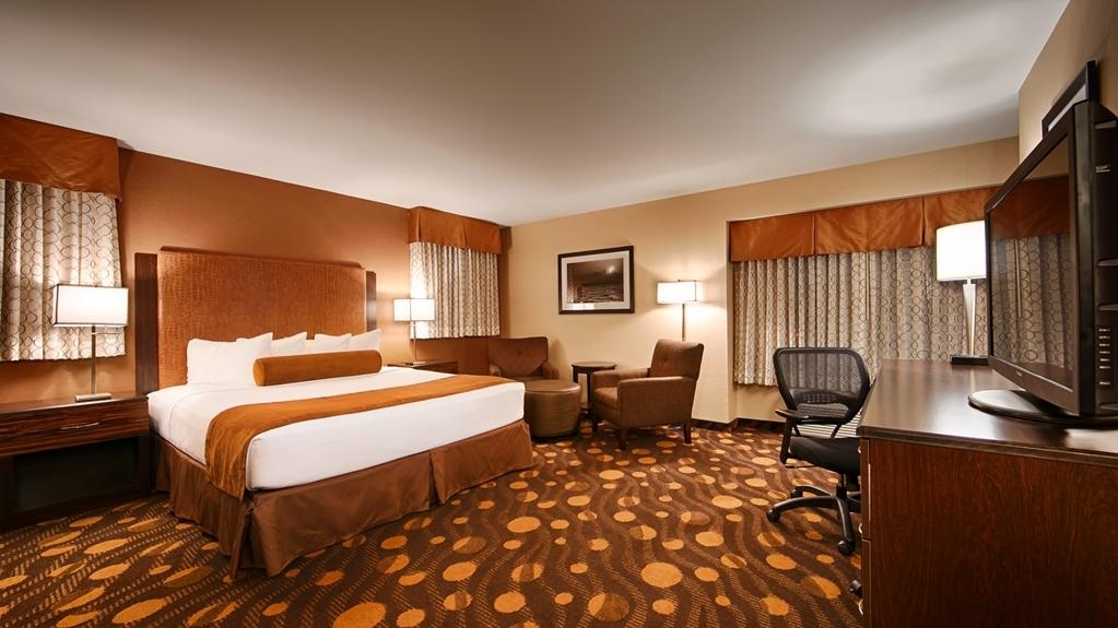 Best Western Plus Suites Hotel Coronado Island - Live in true luxury when you book a king guest room.