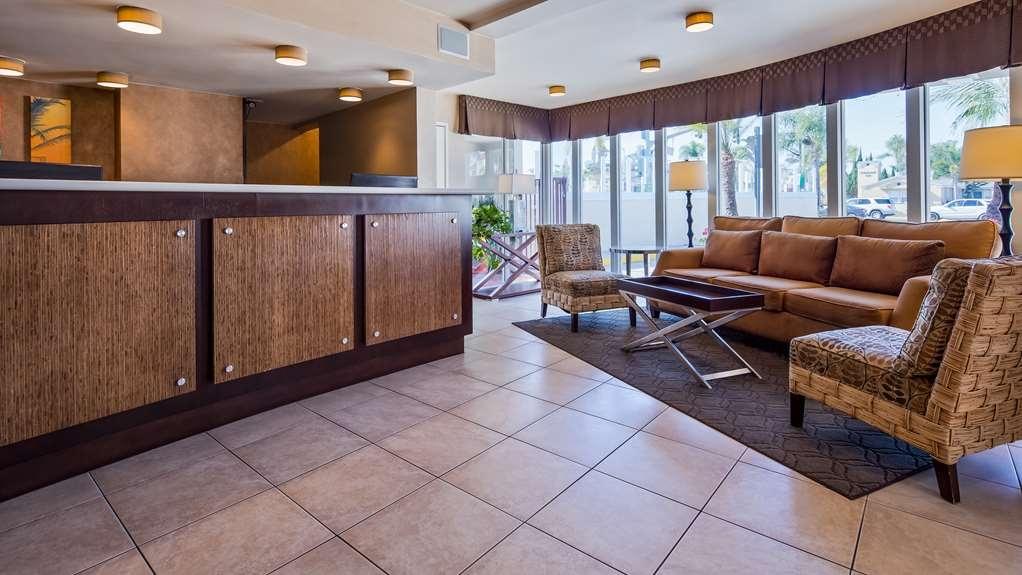 Best Western Plus Suites Hotel Coronado Island - Lobby view
