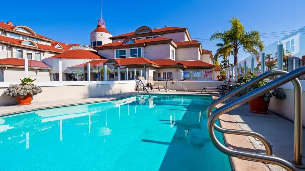 Best Western Plus Suites Hotel Coronado Island - Vue de la piscine