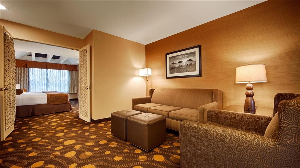 Best Western Plus Suites Hotel Coronado Island - Suite Guest Room