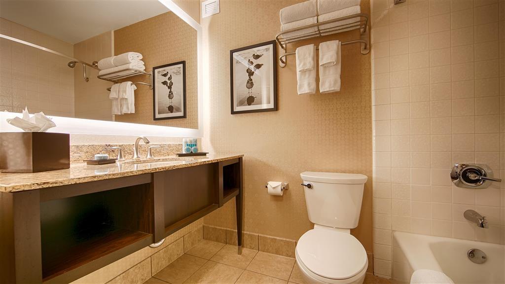 Best Western Plus Suites Hotel Coronado Island - Cuarto de baño de clientes