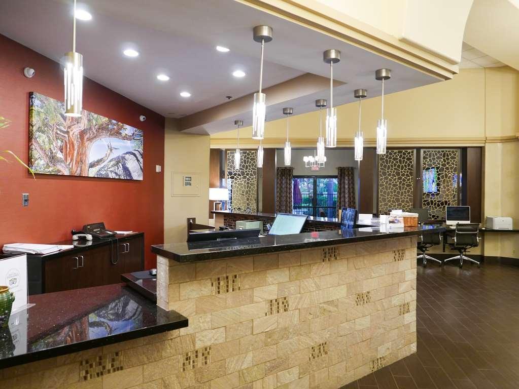 Best Western Escondido Hotel - Lobbyansicht