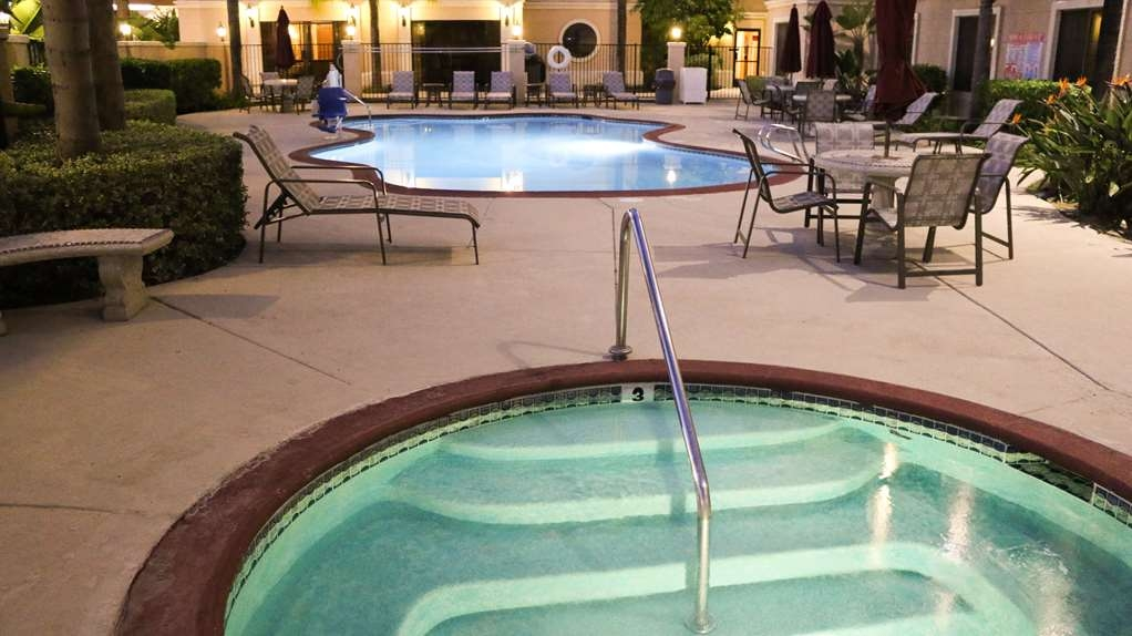 Best Western Escondido Hotel - Hot Tub and Pool