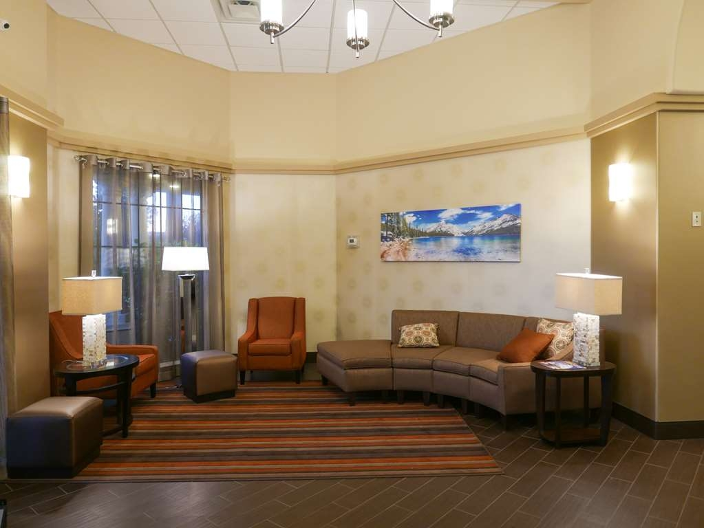Best Western Escondido Hotel - Our lobby is the perfect spot to relax after a long day of work and travel.