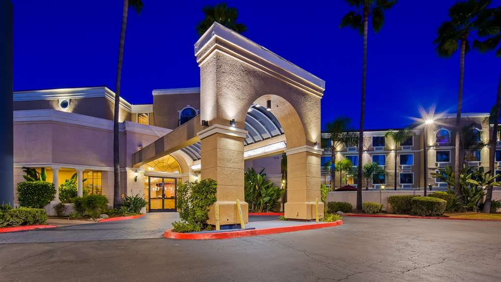 Best Western Escondido Hotel - Exterior view