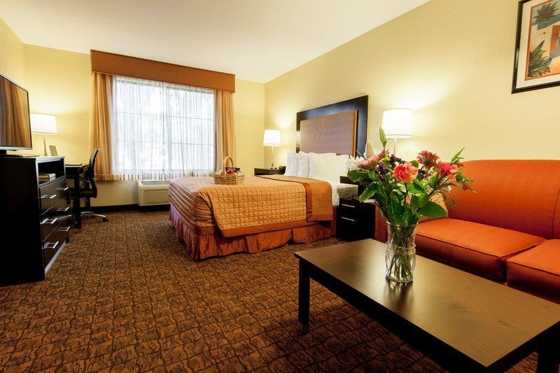 Best Western Escondido Hotel - Family Suite