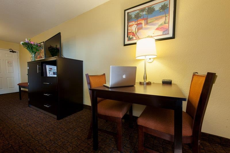 Best Western Escondido Hotel - Fridge and Microwave in Cabinet