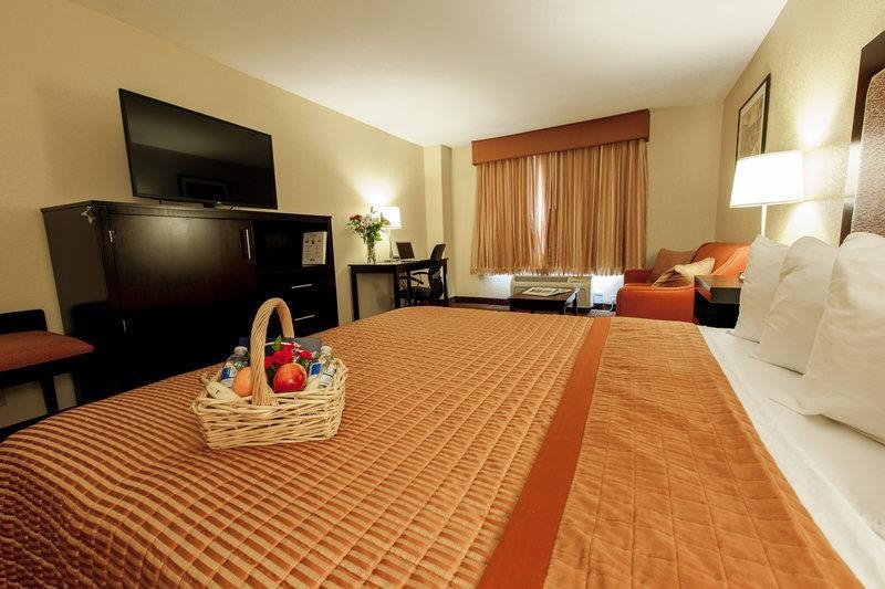Best Western Escondido Hotel - King Room