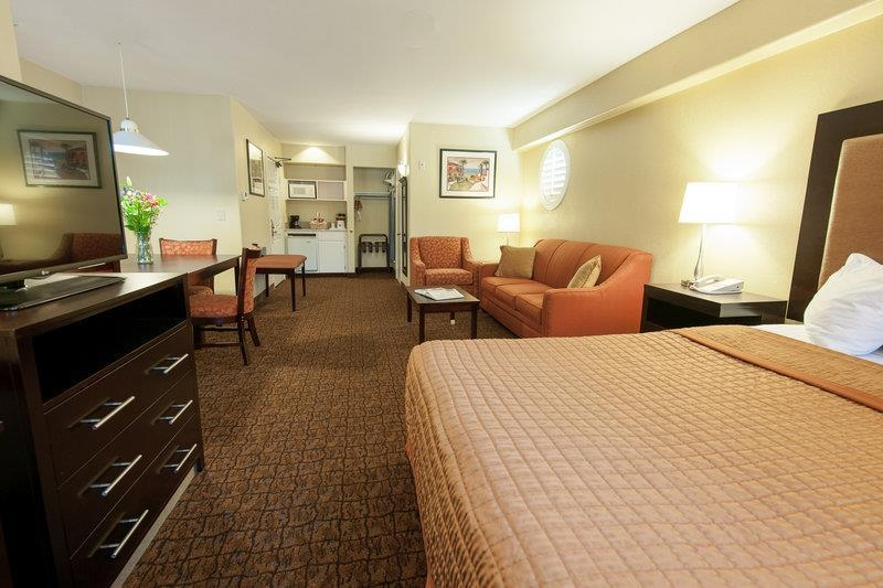 Best Western Escondido Hotel - Mini Suite