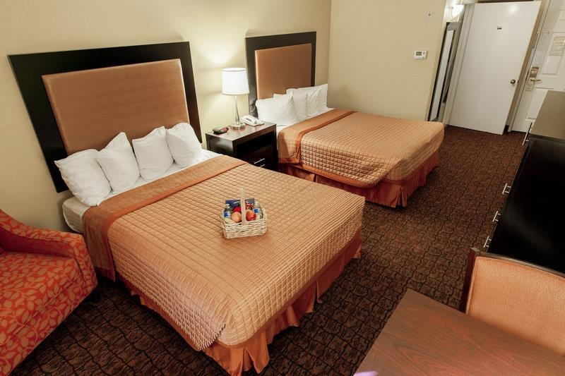 Best Western Escondido Hotel - Two Queen Beds