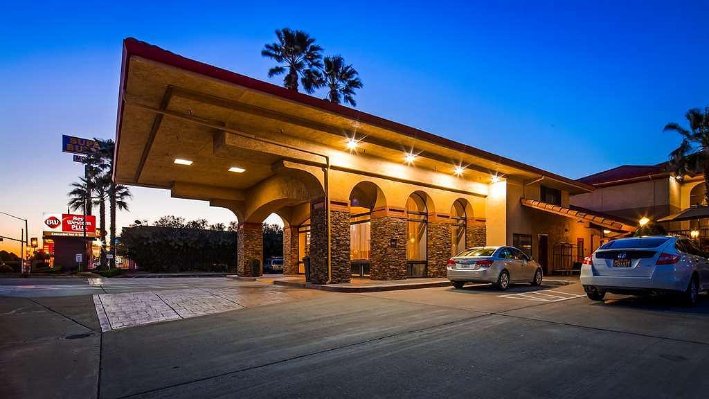 Best Western Plus Executive Inn & Suites - Area esterna