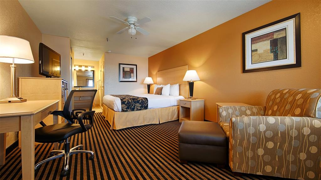 Best Western Plus Executive Inn & Suites - Need to get your work done during your stay with us? We offer free high-speed Internet in every guest room.