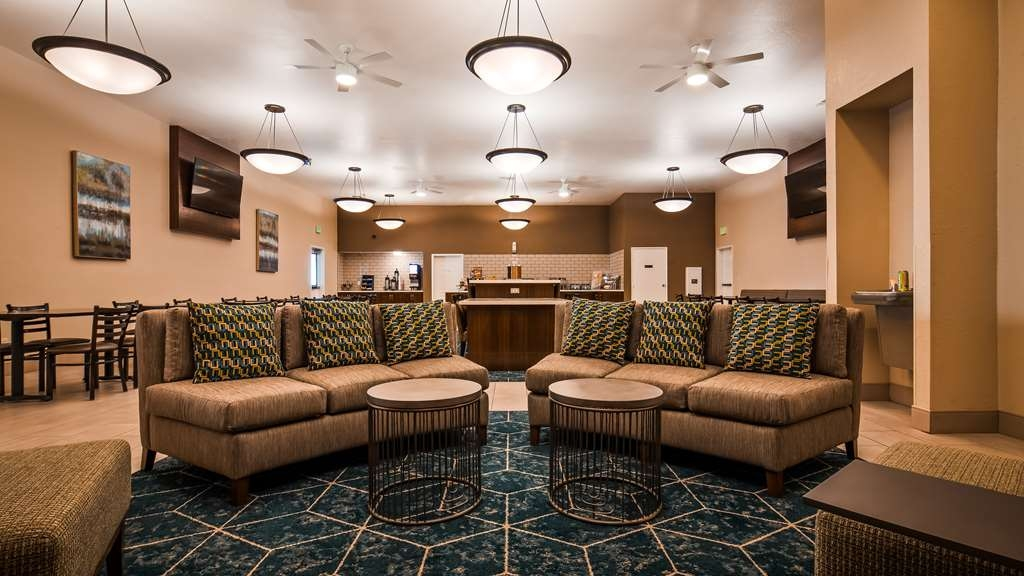 Best Western Plus Executive Inn & Suites - Restaurant