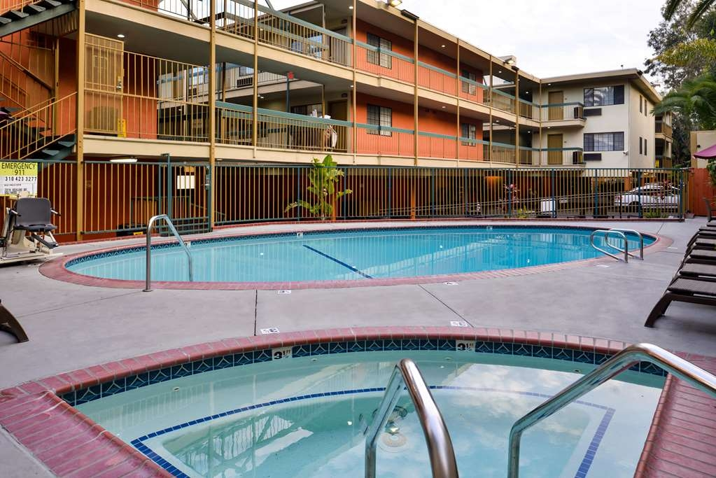 Best Western Hollywood Plaza Inn - Pool view