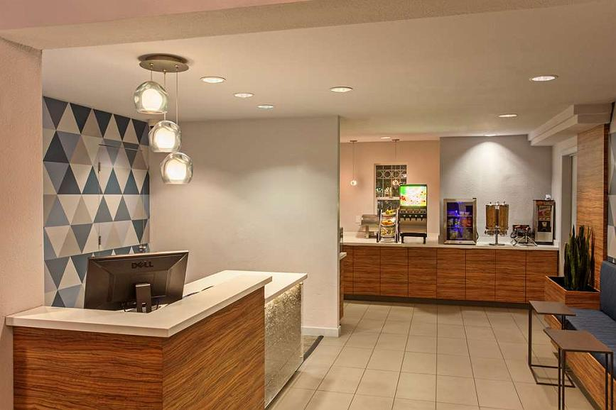 Best Western Plus Executive Suites - Vue du lobby