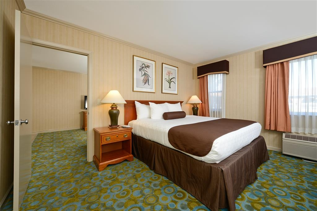 Best Western Plus Executive Suites - Suite