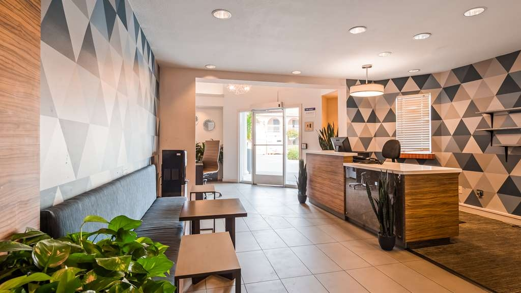 Best Western Plus Executive Suites - Lobbyansicht