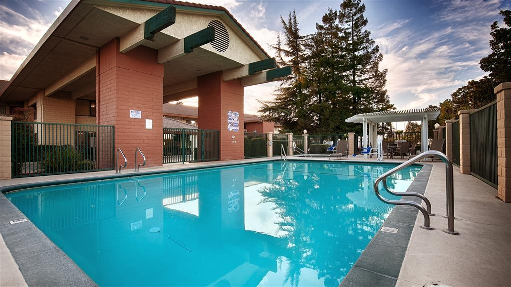 Best Western Orchard Inn - Piscina
