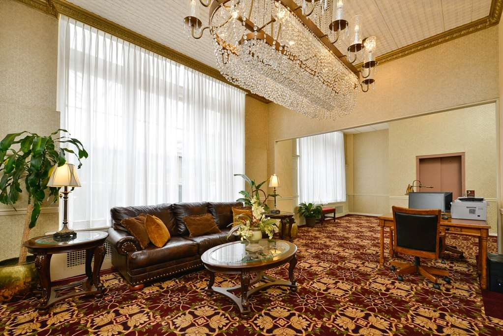 SureStay Collection by Best Western Genetti Hotel - Hall