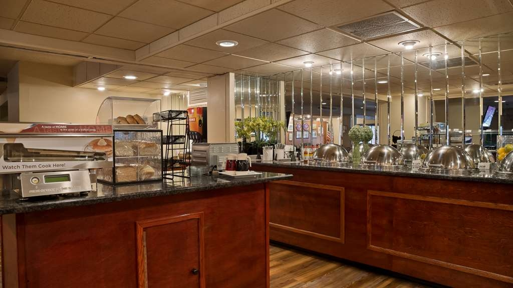 SureStay Collection by Best Western Genetti Hotel - Ristorante / Strutture gastronomiche