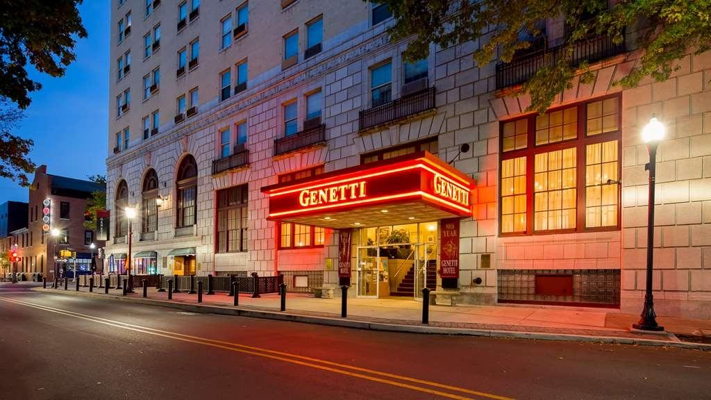 Genetti Hotel, SureStay Collection by Best Western - Außenansicht