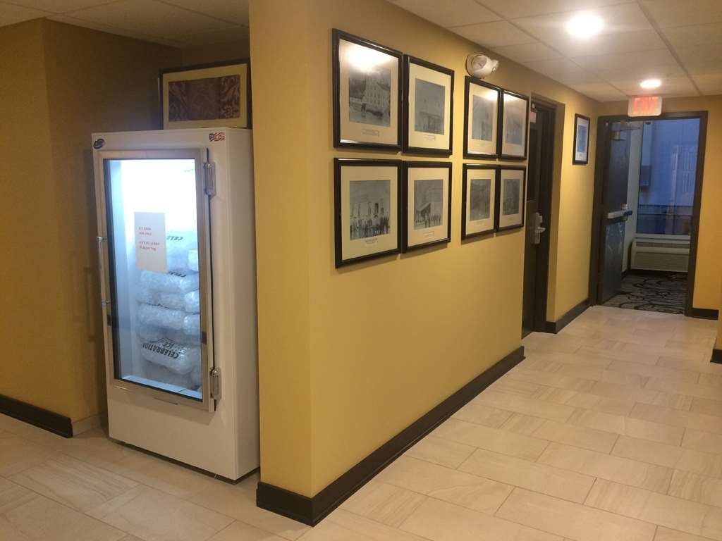 SureStay Plus Hotel by Best Western Jasper - We've added extra touches to make your stay comfortable including a wall art gallery.
