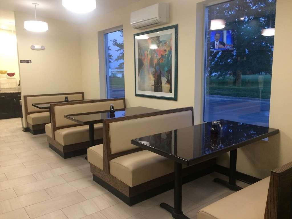 SureStay Plus Hotel by Best Western Jasper - Breakfast Dining Area