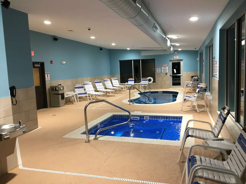 SureStay Plus Hotel by Best Western Jasper - Don't let the weather stop you from jumping in our indoor pool.