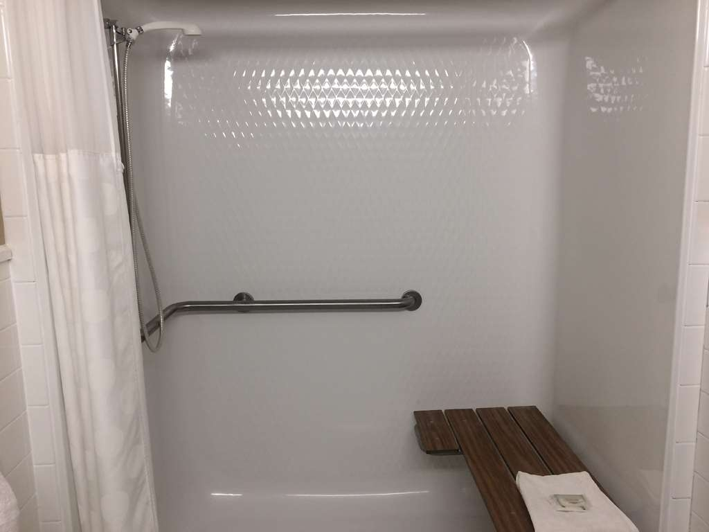 SureStay Plus Hotel by Best Western Jasper - We offer roll-in-showers for your convenience.