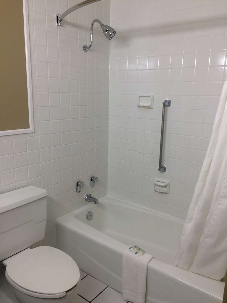 SureStay Plus Hotel by Best Western Jasper - Enjoy getting ready for the day in our fully equipped guest bathrooms.